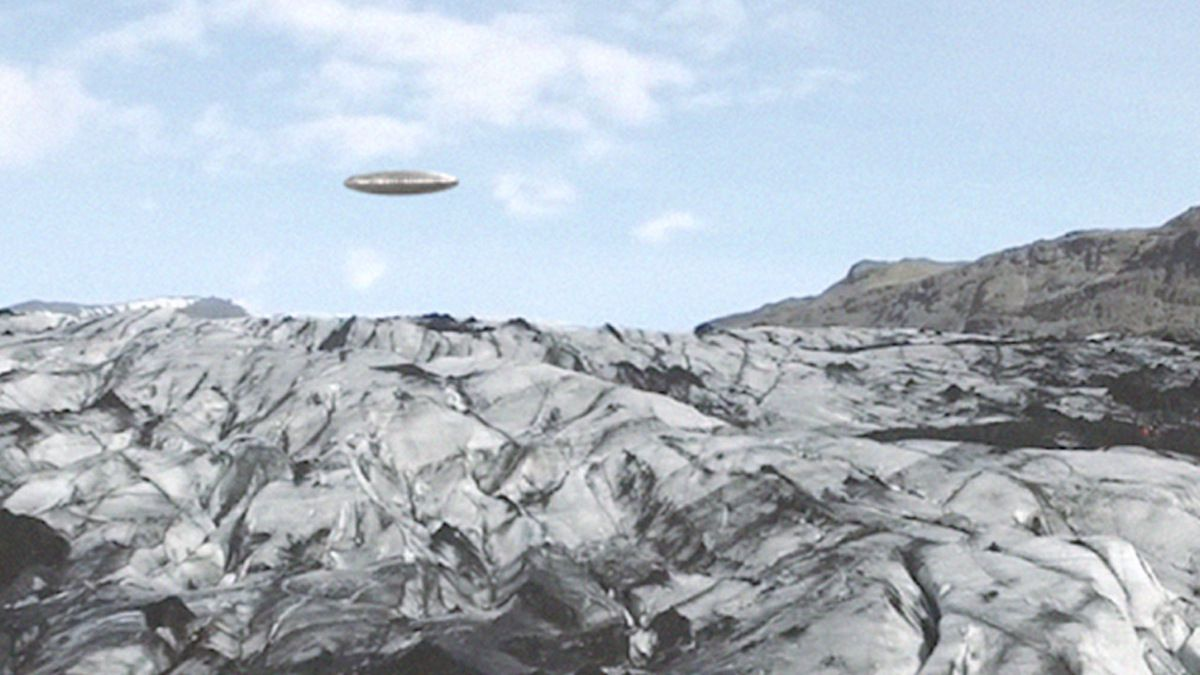 Amazing UFO flying over Rongbuk Valley TIBET ! February 2016