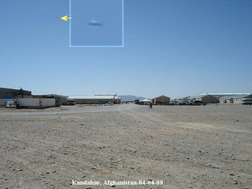 TRIANGLE SHAPED UFO filmed by US soldiers in Afghanistan !!! March 2014