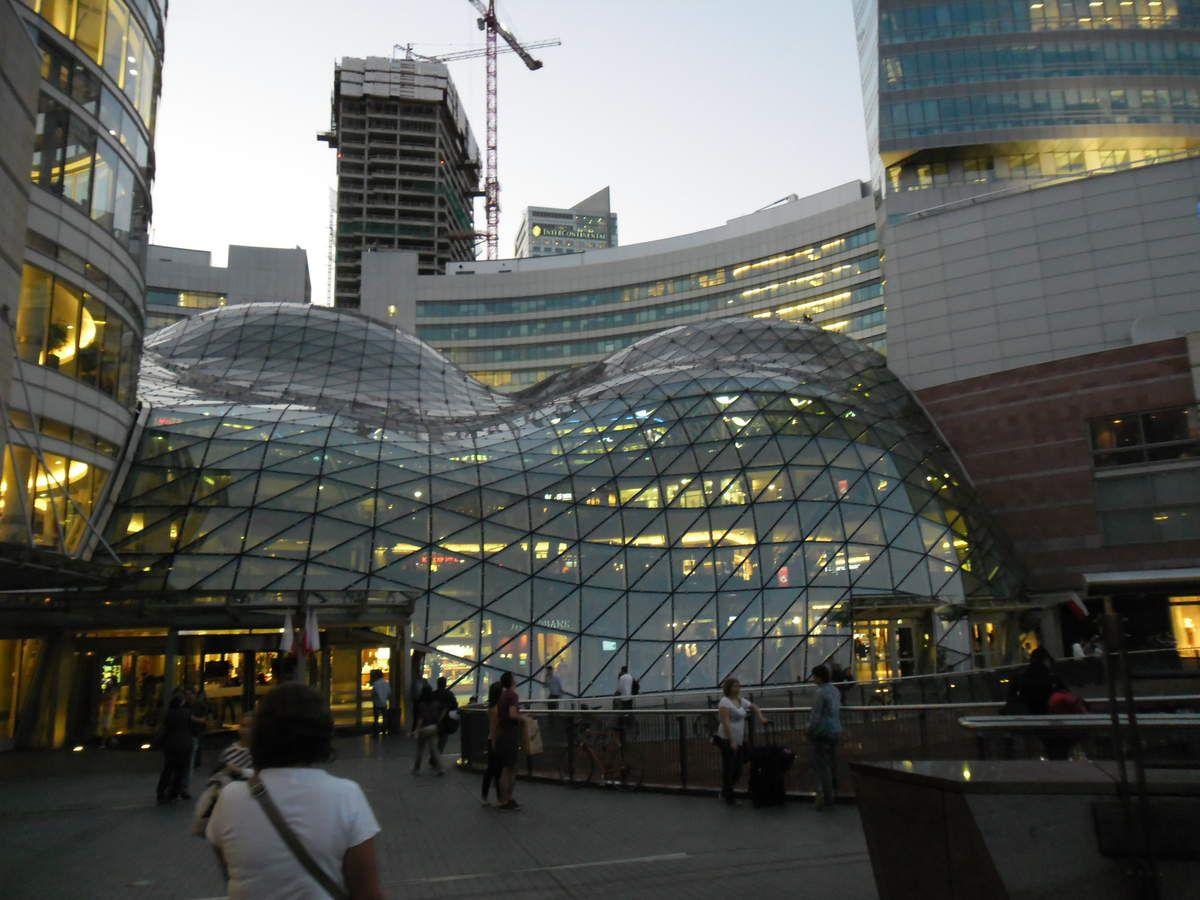 Waouh l'architecte a regardé beaucoup de films de sciences fictions :-P