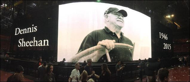 40 - U2 live at The Forum in Los Angeles - Tribute to Dennis Sheehan 27/05/2015
