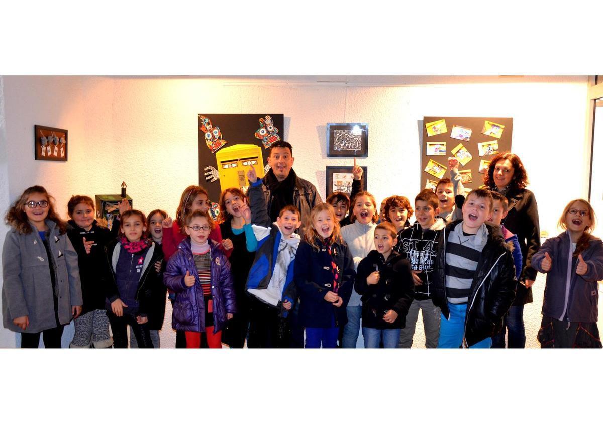 visite de l'école primaire du Boulou pour l'exposition d'art postal de Didier TRIGLIA en décembre 2014