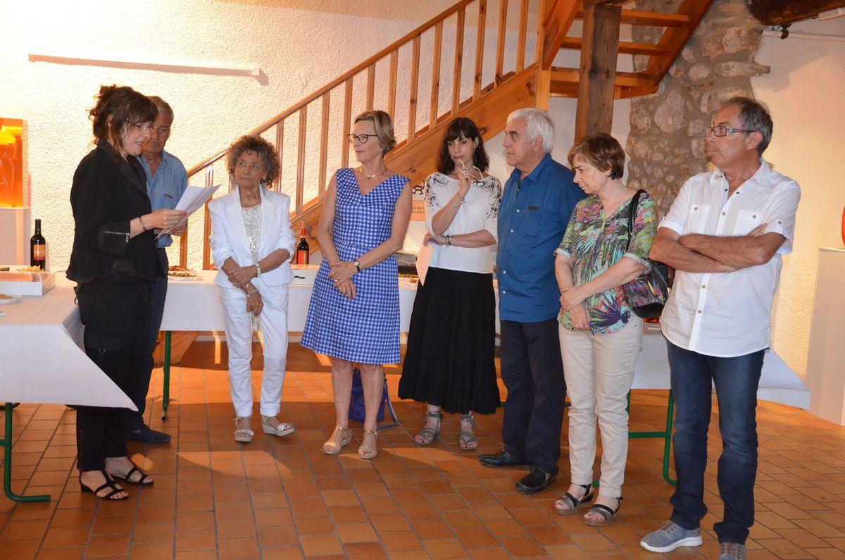 ROSA SERRA entourée des élus et de la responsable de l'EDA