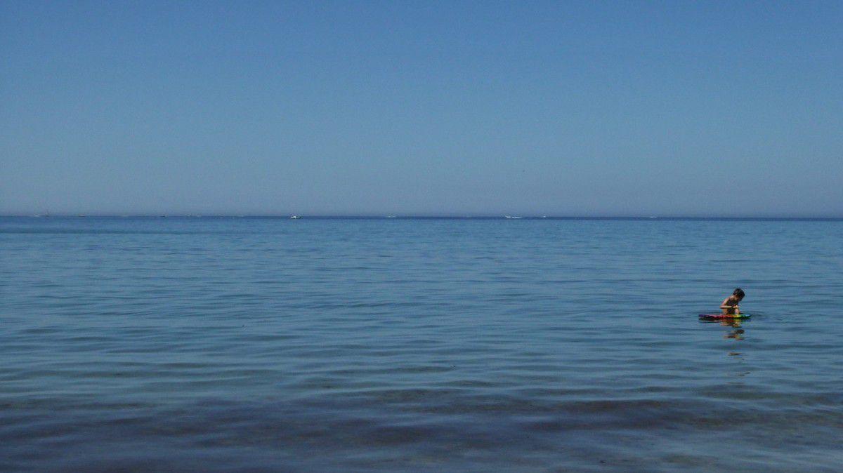 Seuls sur le sable (ou presque)