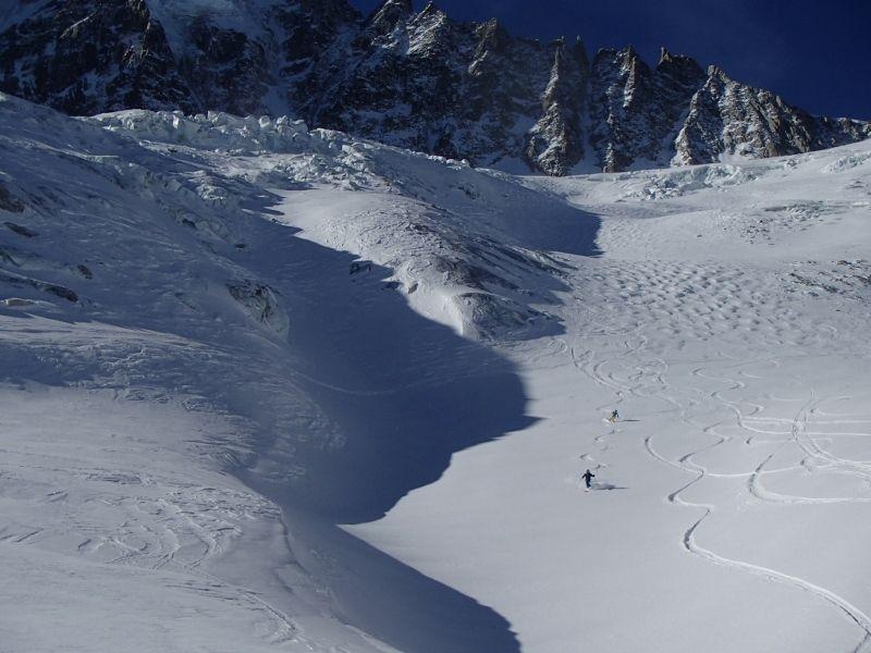 On a même pu faire qqs traces sur le glacier des grands ...