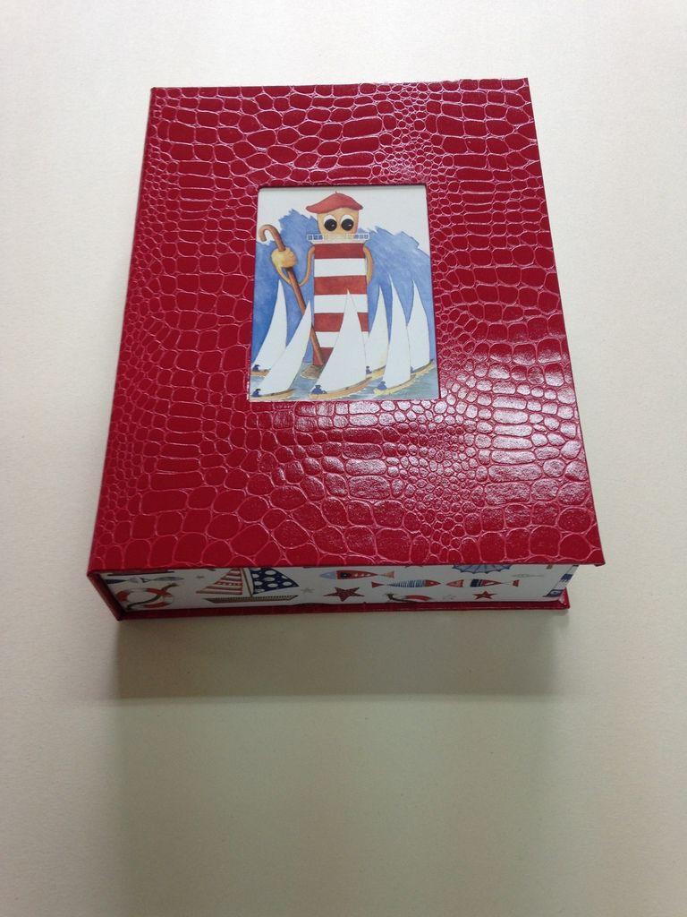 une boite livre d'Anne-marie .