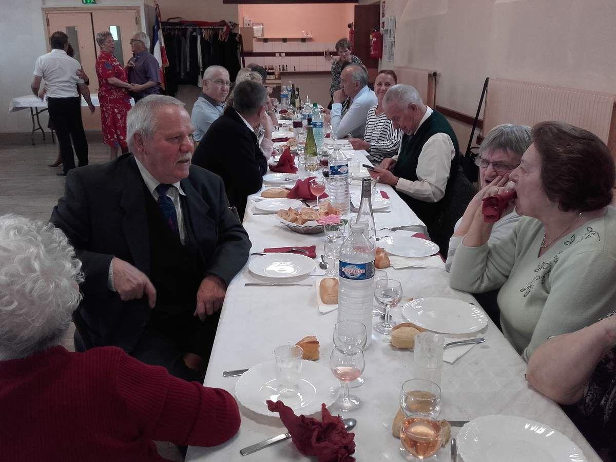 Repas des anciens Combattants cet après-midi à Echenoz
