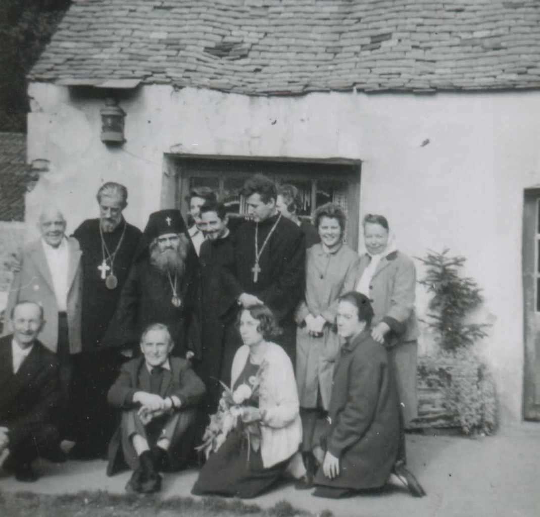 Jean Maximovitch (Saint Jean de Shangaï et de San Francisco) , Eugraph Kovalevsky (Saint Jean de Saint-Denis), Mgr Germain etc ...qui ont célébré cette liturgie