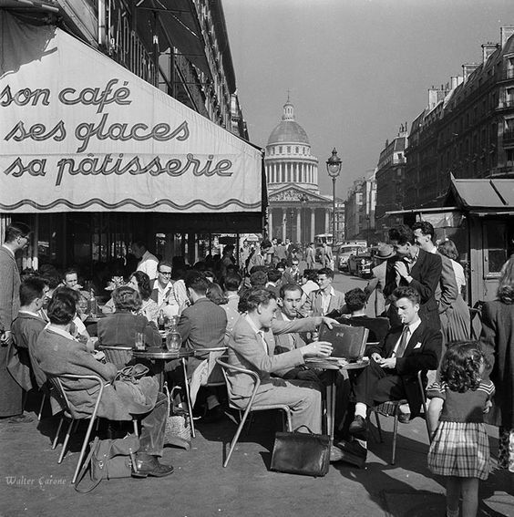 Latin QuarterParis 1950s© Walter Carone / Paris-Match