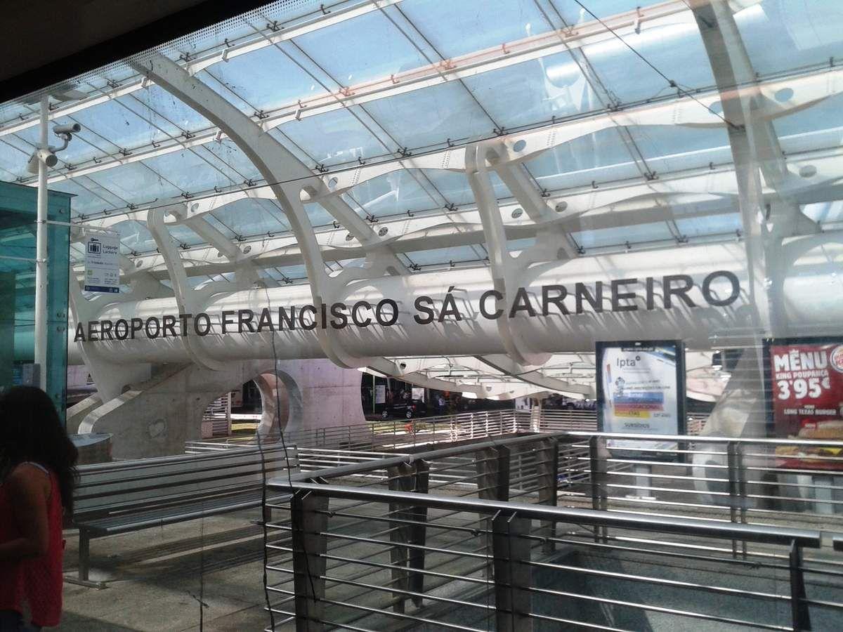Aéroport Francisco Sa Carneiro à Porto