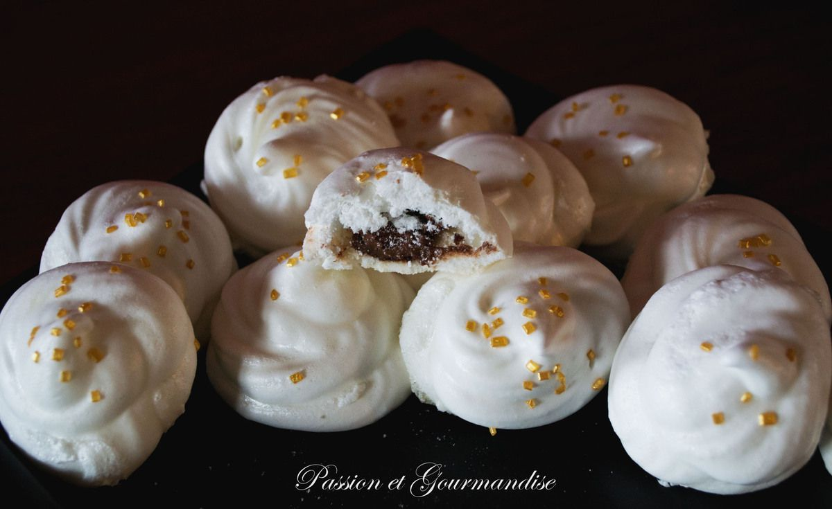 meringues coeur de nutella au thermomix. Black Bedroom Furniture Sets. Home Design Ideas