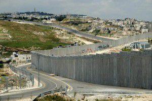 Shimon Peres « l'homme de la paix » ? Quelle blague !