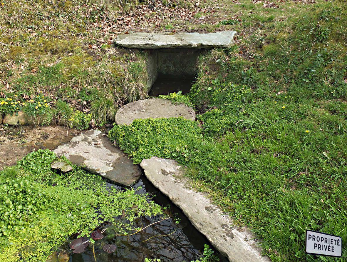 Lanmeur : Fontaine de Convenant an Dour