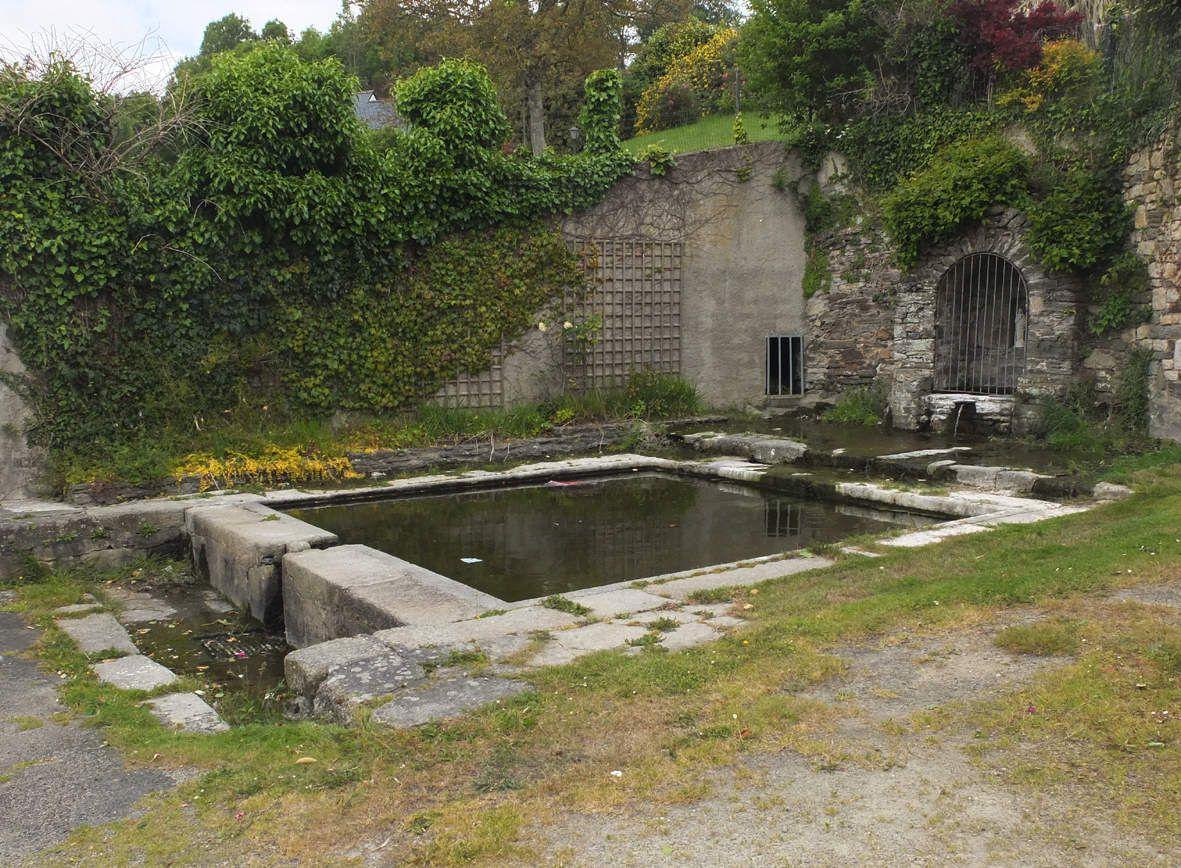 TAULE : Fontaine et lavoir Notre-Dame