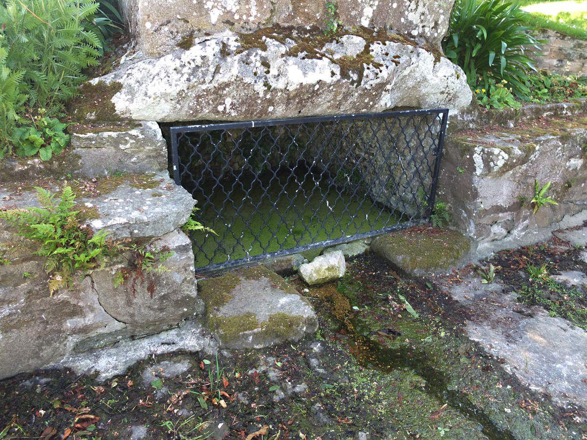 ROSCOFF : Fontaine de Kerhoret