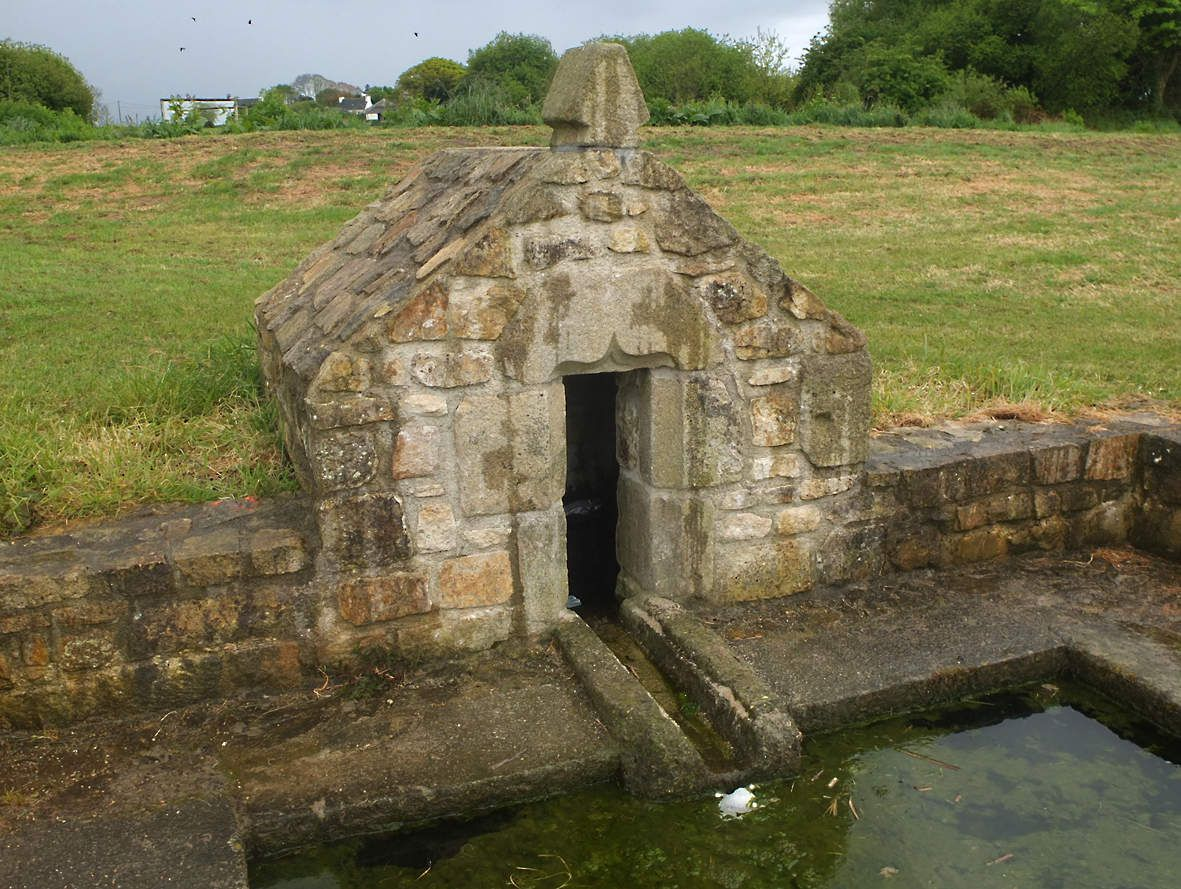 MESPAUL : Fontaine de l'Allée verte