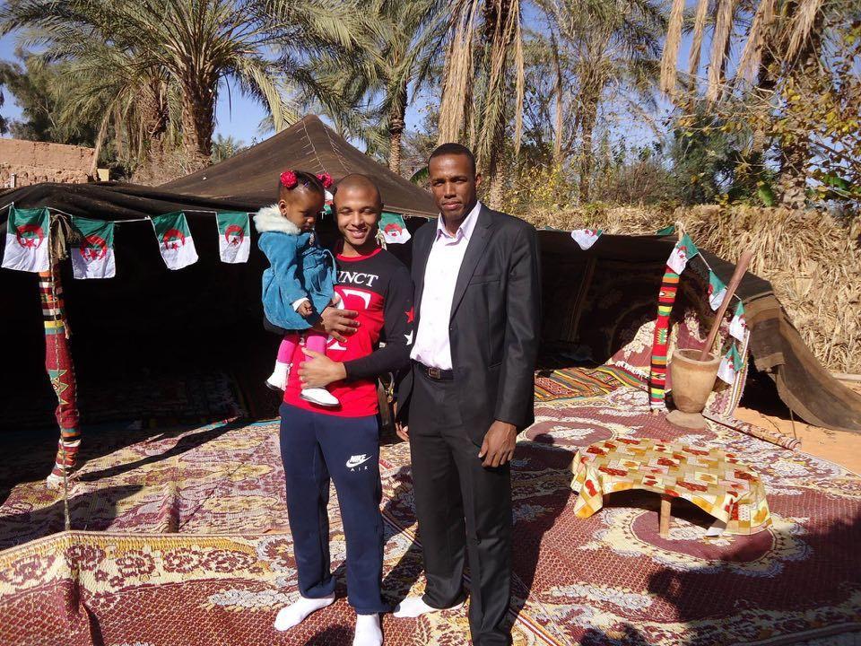 Quelques photos que m'a remises si Mohamed et ne croyez surtout pas que la Gasaa de merdoud est une erreur , non pas du tout , la photo m'a bien été remise par si Mohamed qui raffole du Merdoud ( celui-là est d'El Goléa)