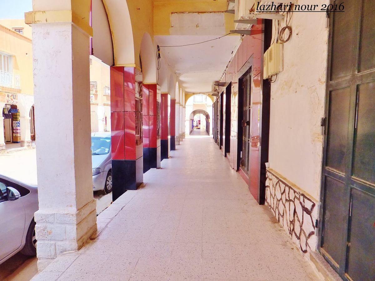 Laghouat: désertée , Elle s'offre à notre ami Nouredine Lazhari