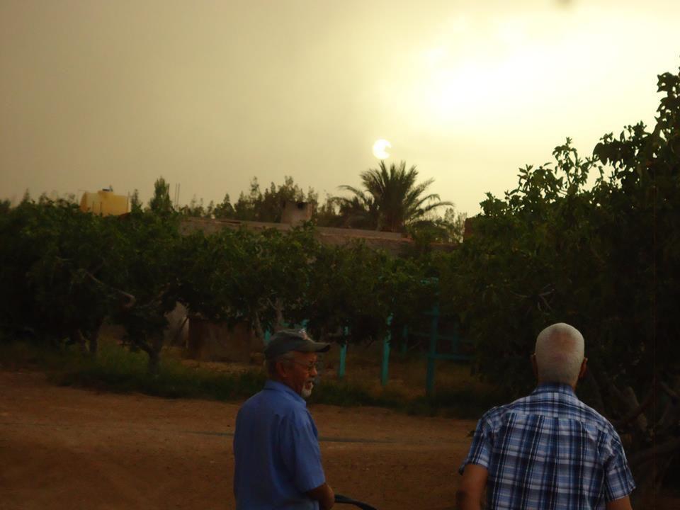 Nous avons passé un splendide après-midi à Gneifid sous une pluie battante . Nous étions aux anges comme comme le seraient les enfants que nous sommes restés. Les photos sont de Aissa BENAYA