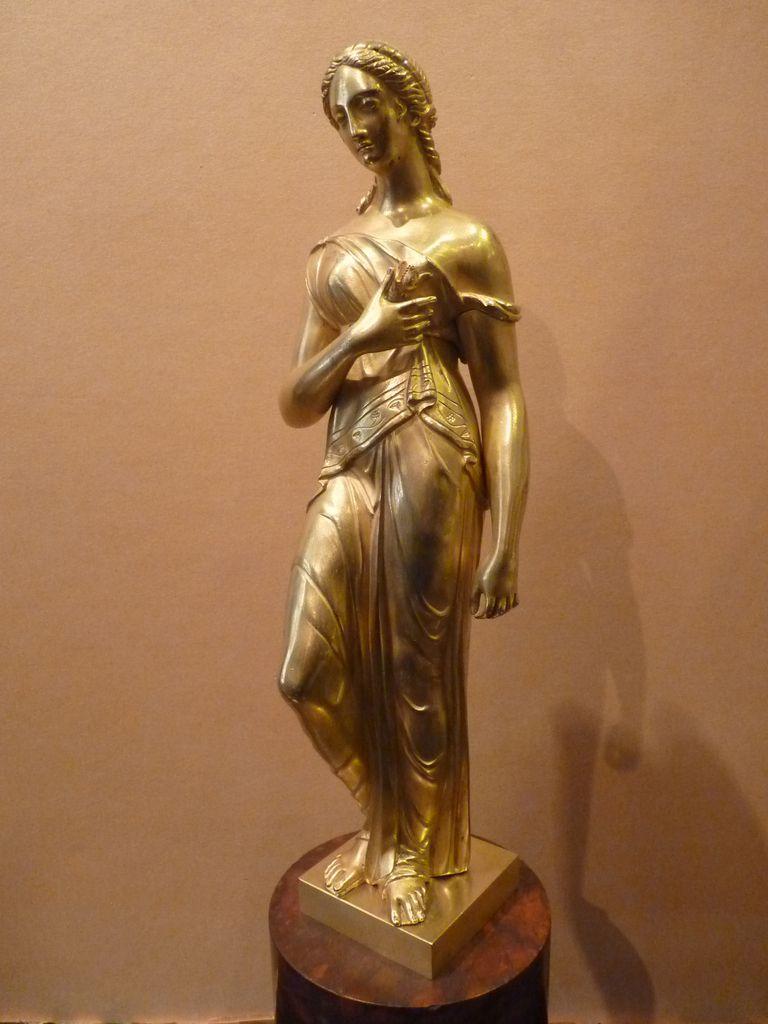 Femme à l'Antique, sculpture en bronze doré, Début 19ème Siècle