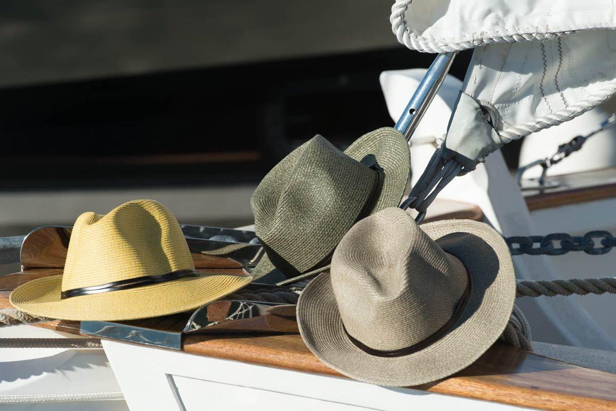 En Mai je porte mon chapeau Travaux en Cours en toutes occasions !!