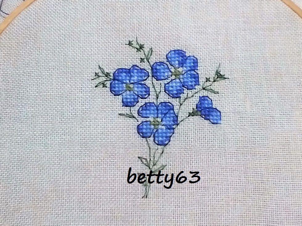 Schema Fleur de lin dal libro L'herbier du jardin a point de croix