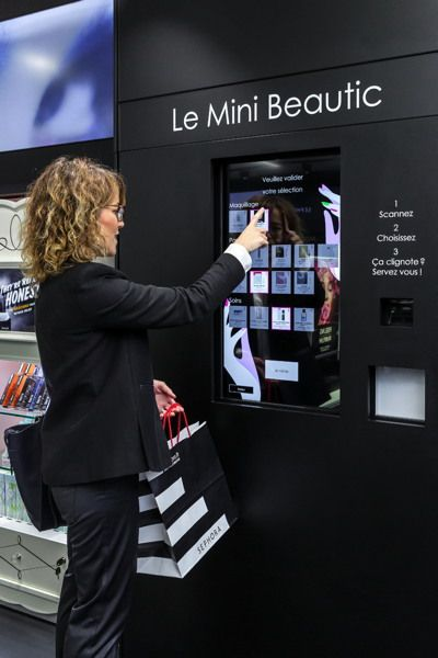 "SEPHORA lance son format ""pocket connected store"""