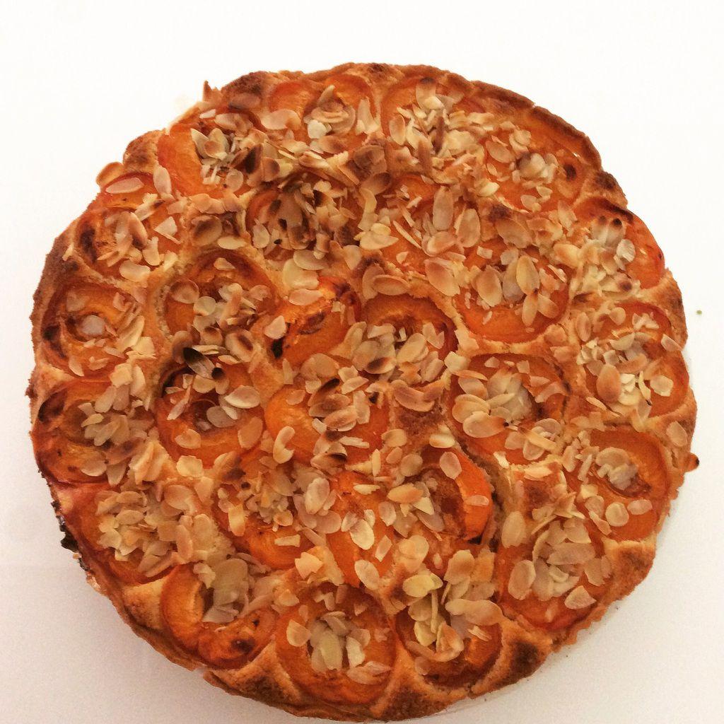 Avec ma sœur nous avons fait une tarte aux abricots