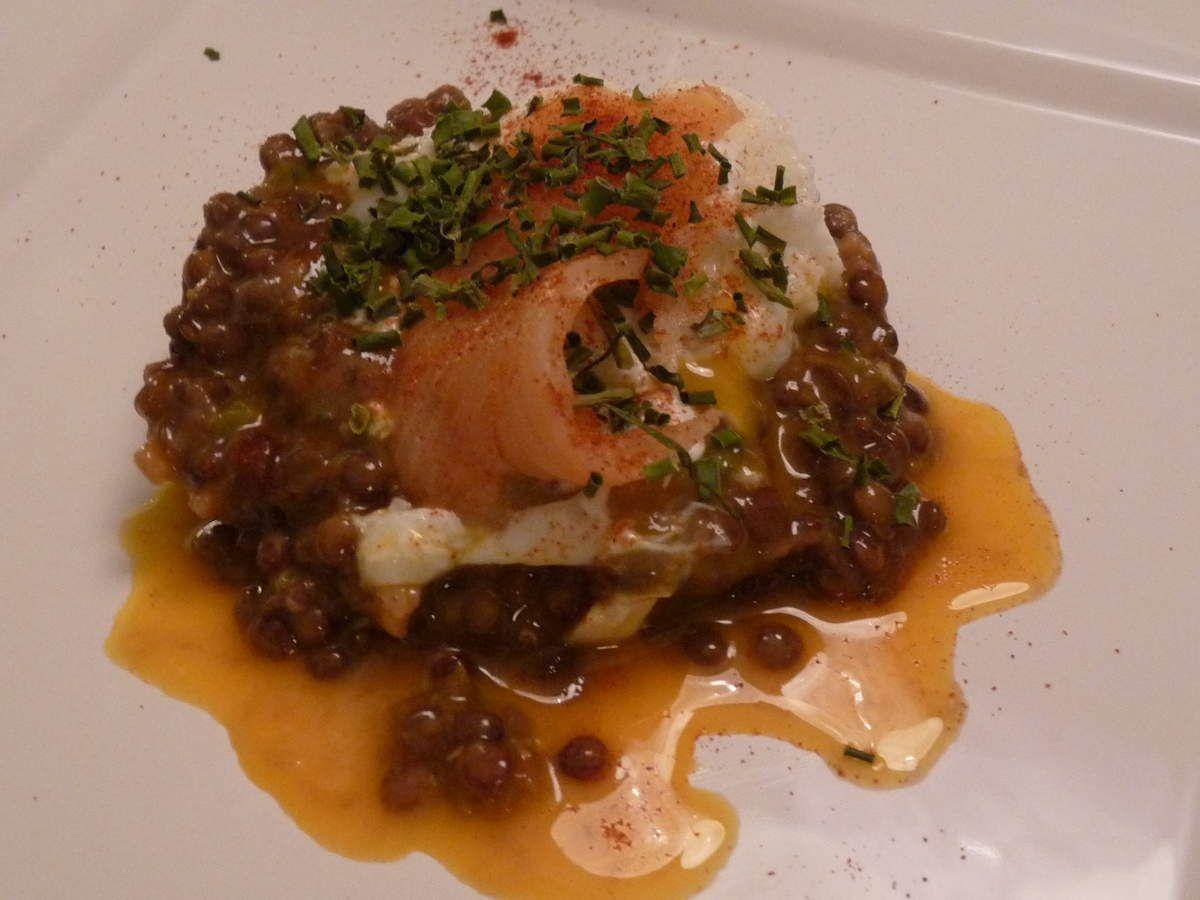 Lentilles au saumon et oeuf poché