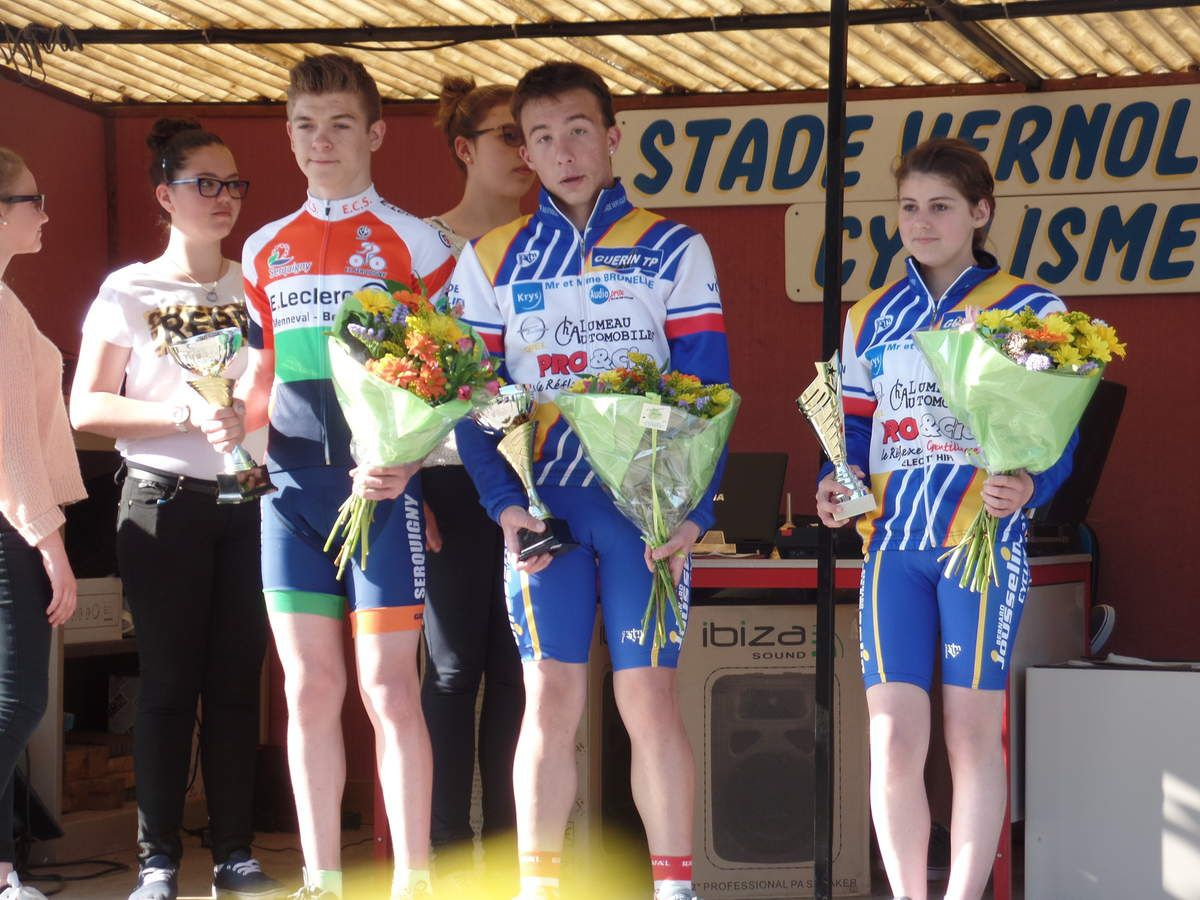 Podium Avril 2015 à Cintray