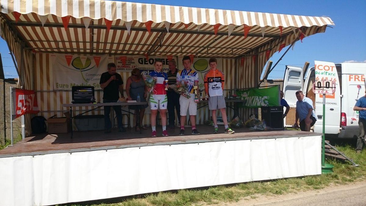 Podium des 15-16 ans et Quentin Deglos vainqueur.