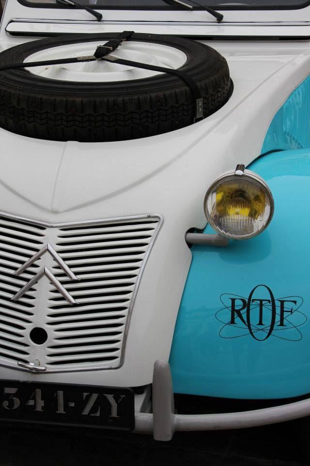 Paris:  du 9 août au 6 septembre exposition de photos d'automobiles de collection