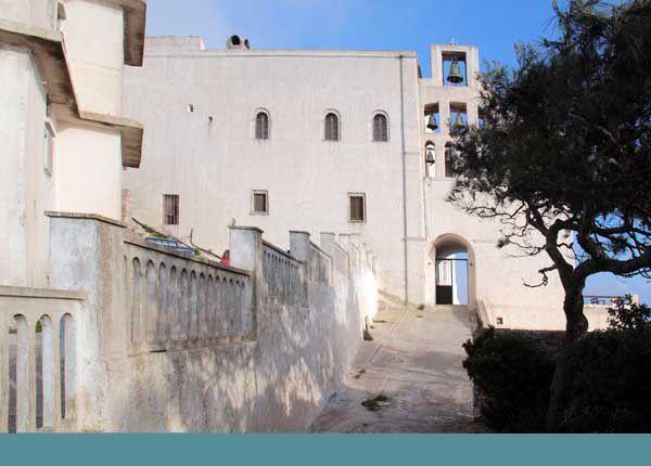 Le monastère du Prophète Élie à Santorin. 10 avril 2014