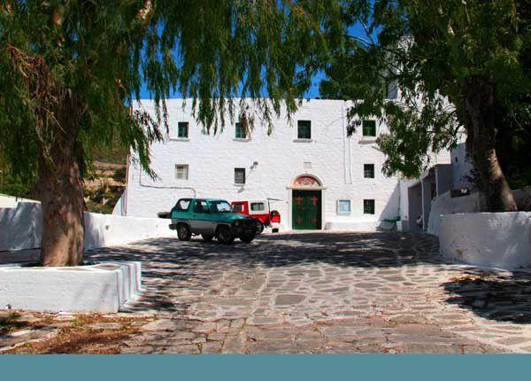 Trois monastères de Paros. 15 et 16 avril 2014
