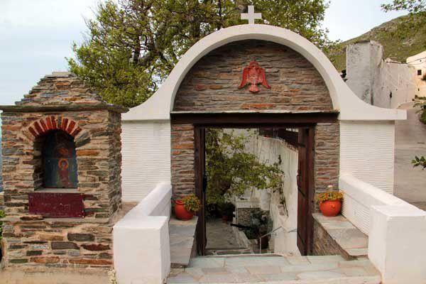 Andros, trois monastères. Les 21, 23 et 25 avril 2014