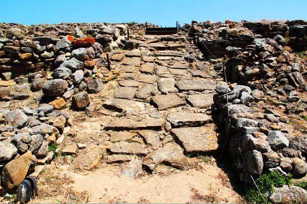 Poliochni, de l'âge du bronze aux Byzantins. Dimanche 25 mai 2014