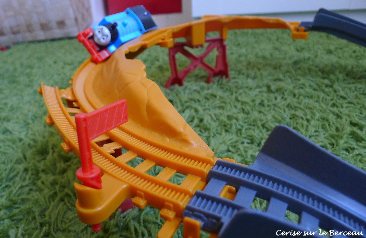 {Test} Thomas le train : danger sur le pont !