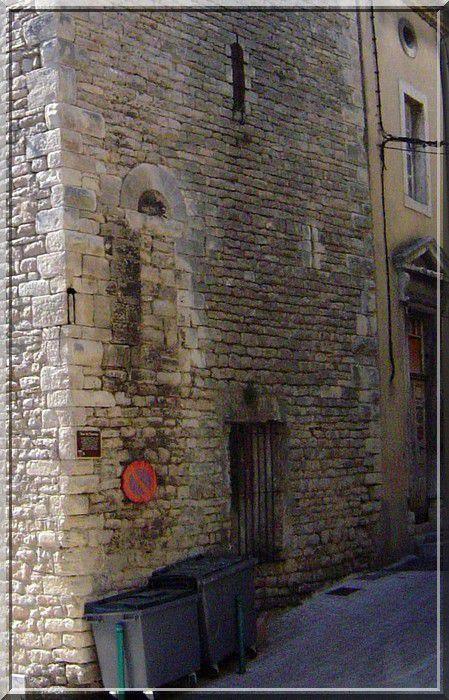 Diaporama cité fortifiée de BAGNOLS sur CEZE