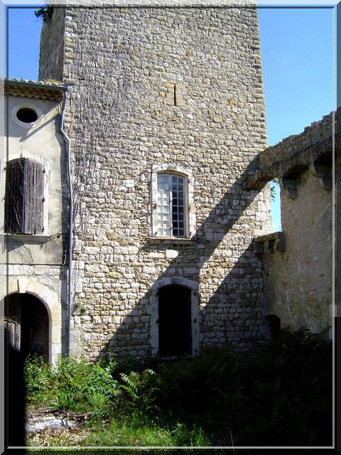 Diaporama château de la BASTIDE d'ORNIOLS - Goudargues