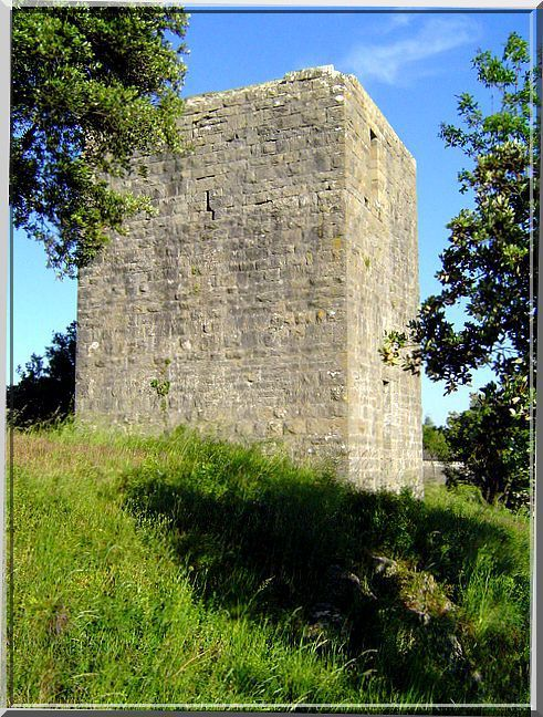 Diaporama de la tour : LES SALLES du GARDON