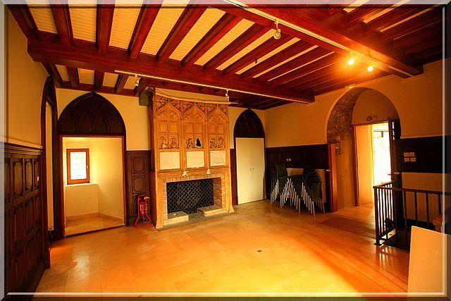 La chaleur de plusieurs siècles se ressent dans cette première salle
