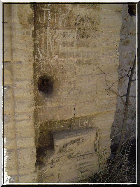 Diaporama du château de FONTAINE DE VAUCLUSE
