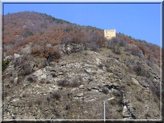 Diaporama château de MONTMAUR (Hautes Alpes)