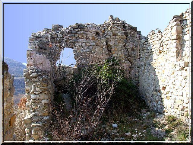 Diaporama village et château de Le Chaffaut Saint Jurson