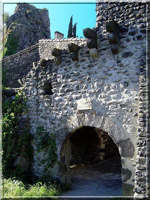 Diaporama château d'APS à Alba la Romaine