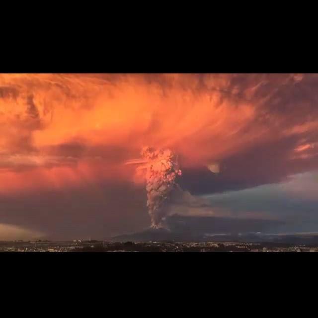 Eruption du volcan Calbuco au Chili - photos &amp&#x3B; video