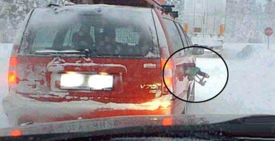 Quand on est trop pressé ou vraiment distrait à la pompe à essence