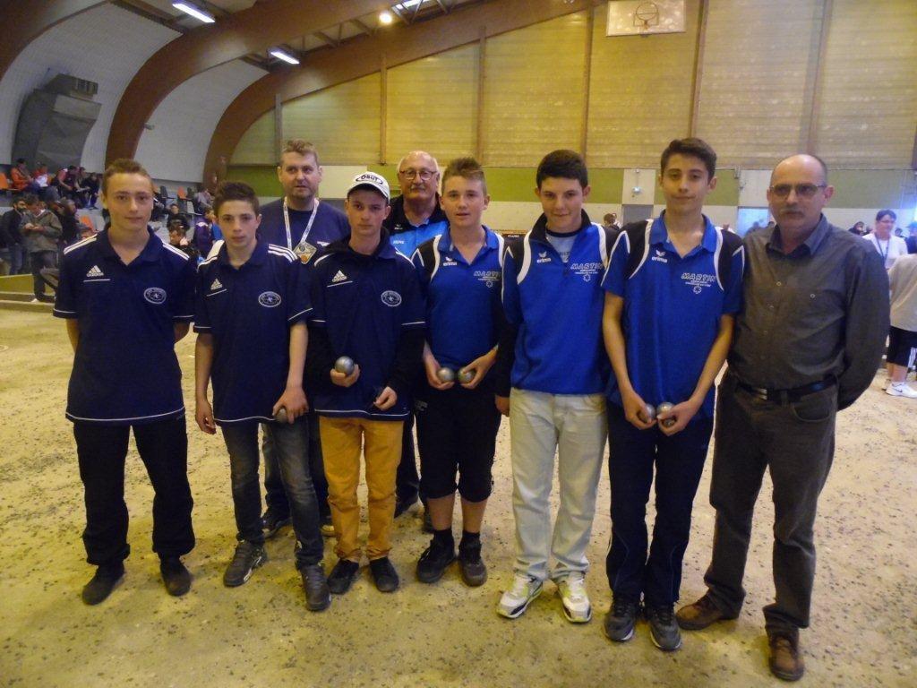 les finalistes juniors avec RETOURNAC et CHAZELLE SUR LYON