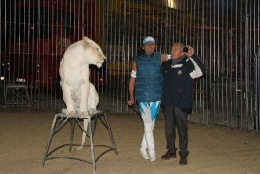 Claude AZEMA (Président FIPJP et CMSB), rentre dans la cage aux lions !!!