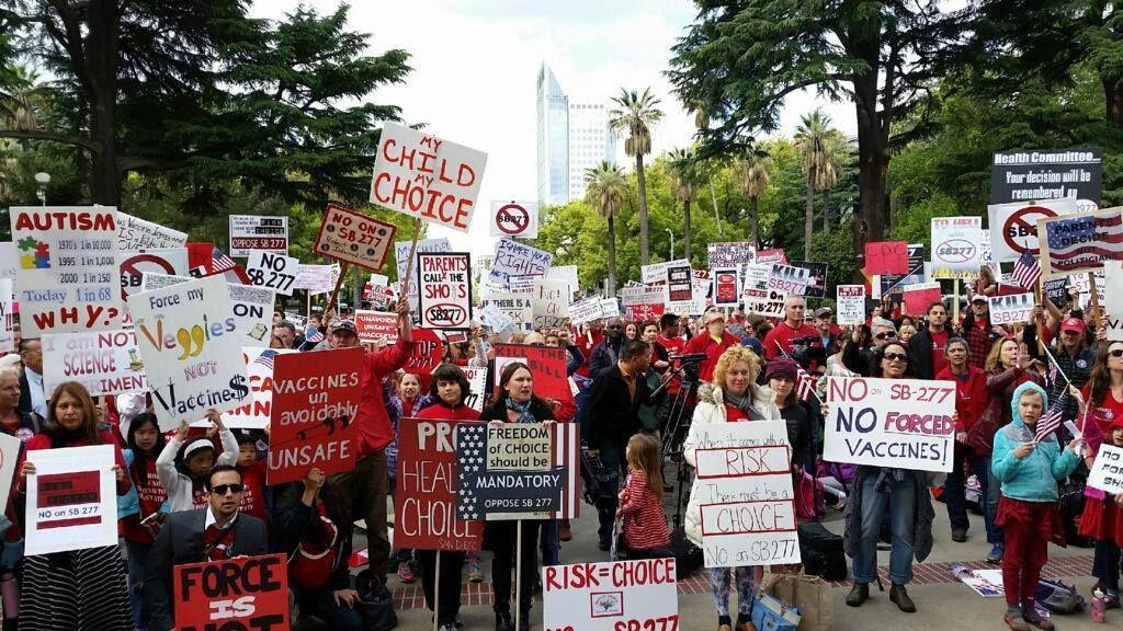 Manifestation de masse en Californie contre le projet de loi SB277.- Coalition californienne pour le choix vaccinal