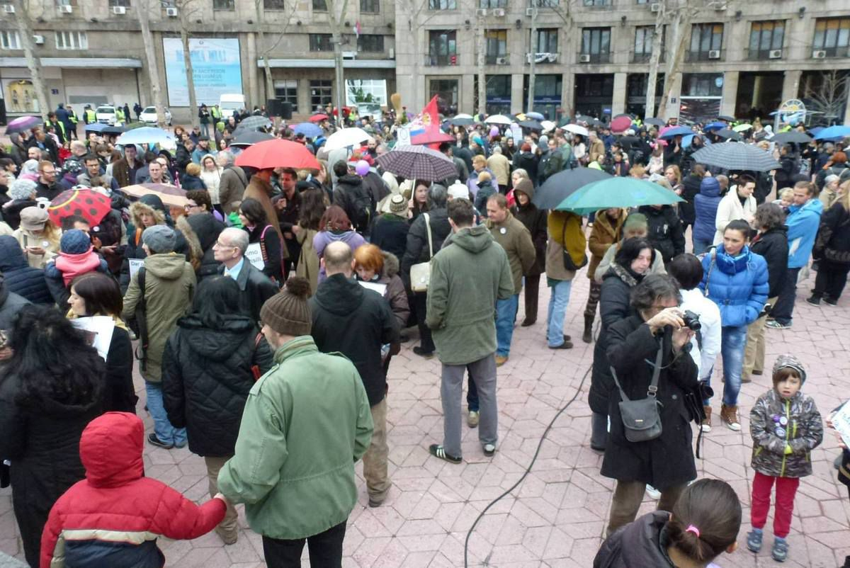 Manifestation à Belgrade contre les obligations vaccinales